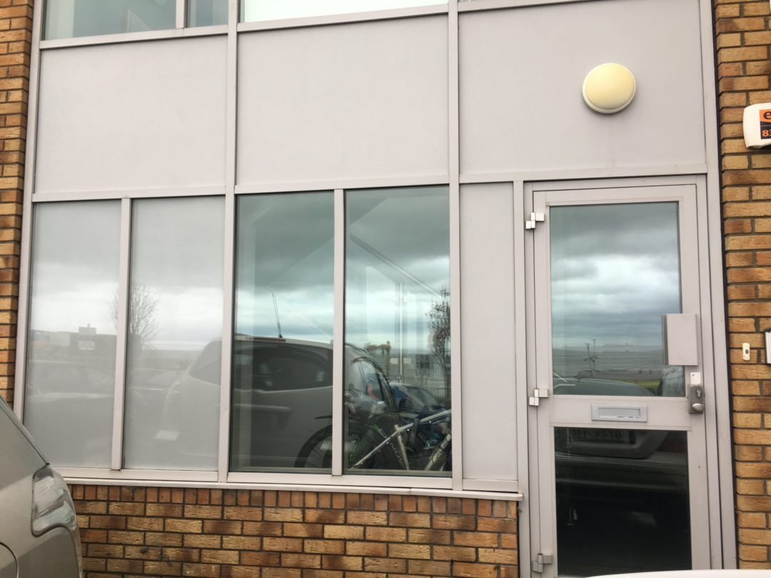 Flying rug - Sticker removing and external window cleaning in Balckrock 2